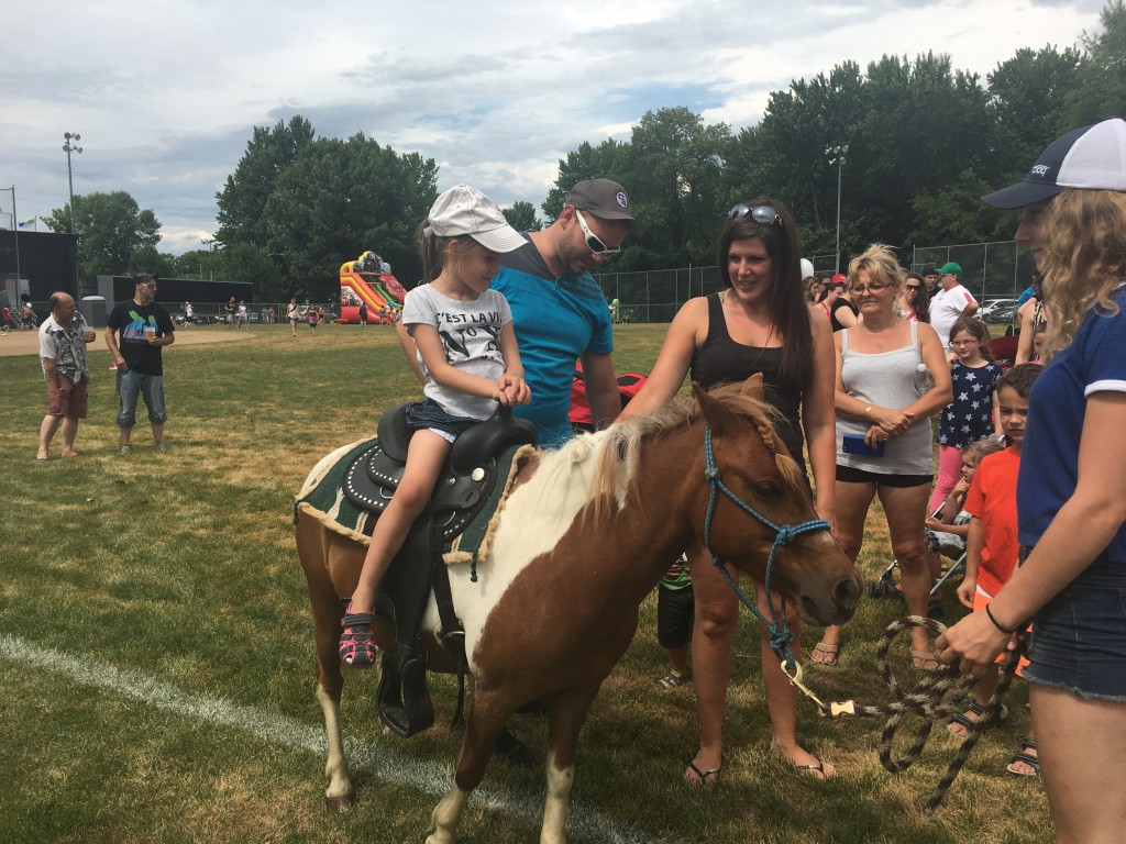 Fête du Canada Day - tours de poney/pony rides