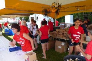 young volunteers_P1000147-X4
